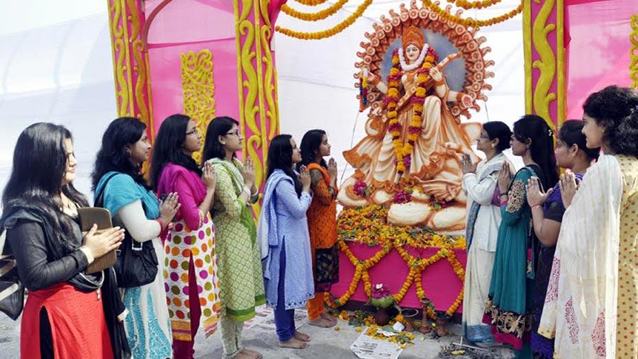 Hindu community celebrates Saraswati Puja