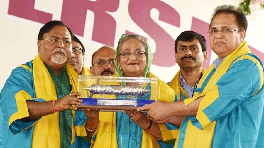 Hasina receives D. Litt from Kazi Nazrul University