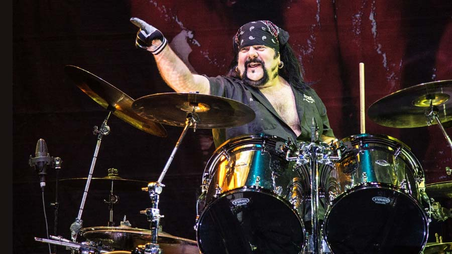 1529825073Vinnie-Paul.jpg