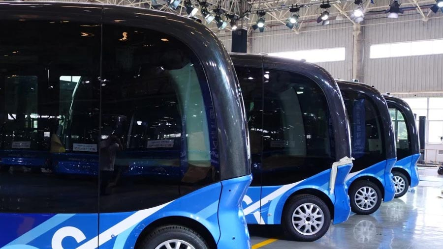 Self-drive buses enter 'mass production'