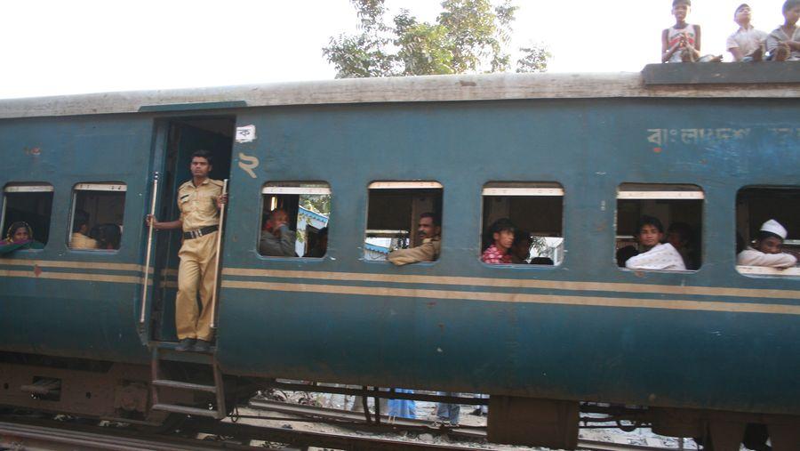 Train ticket sale for Eid-ul-Azha begins