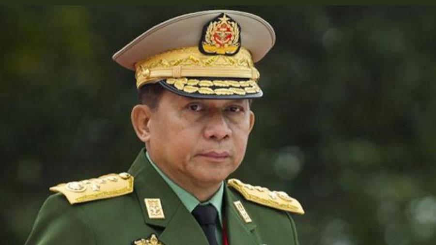 Facebook 'bans' Myanmar army chief