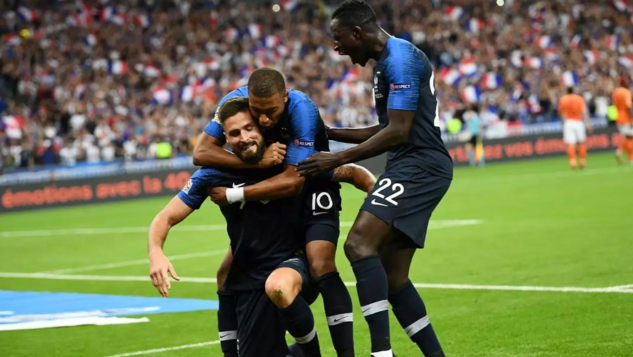 Mbappe & Giroud seal victory for France