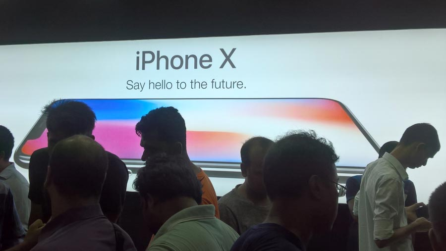 Apple expected to unveil bigger iPhone