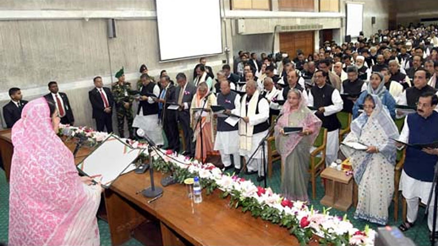 Newly-elected MPs sworn in