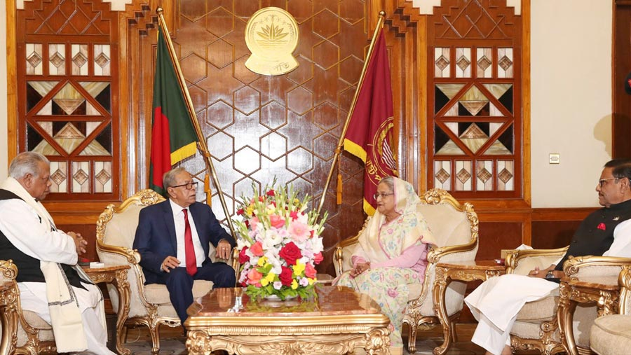 President invites Hasina to form government