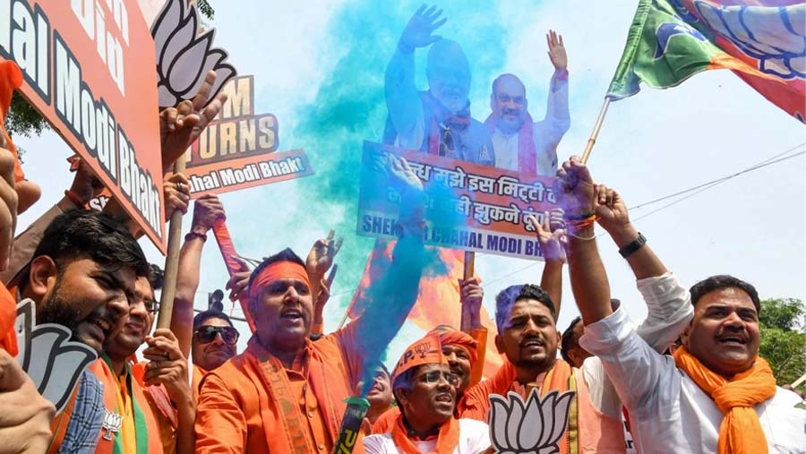 Narendra Modi heading for landslide win