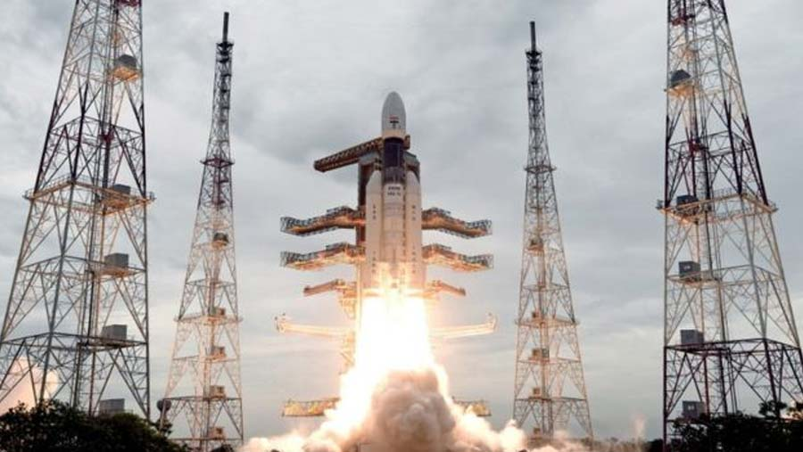 India successfully launches moon mission