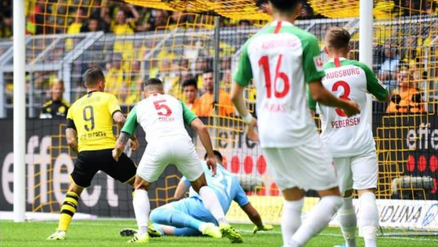 Dortmund beat Augsburg 5-1 in season opener