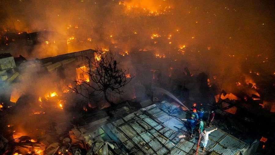 15,000 homes destroyed in Dhaka slum