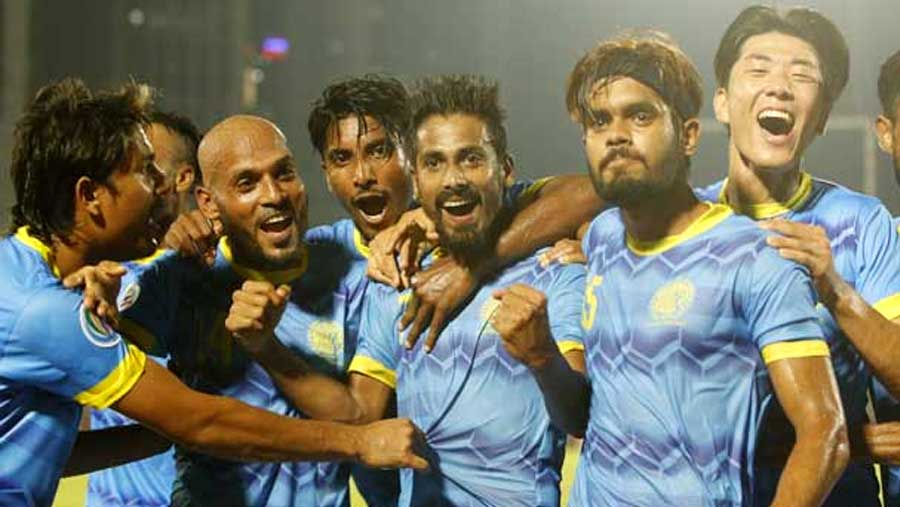 Abahani take first-leg lead against April 25