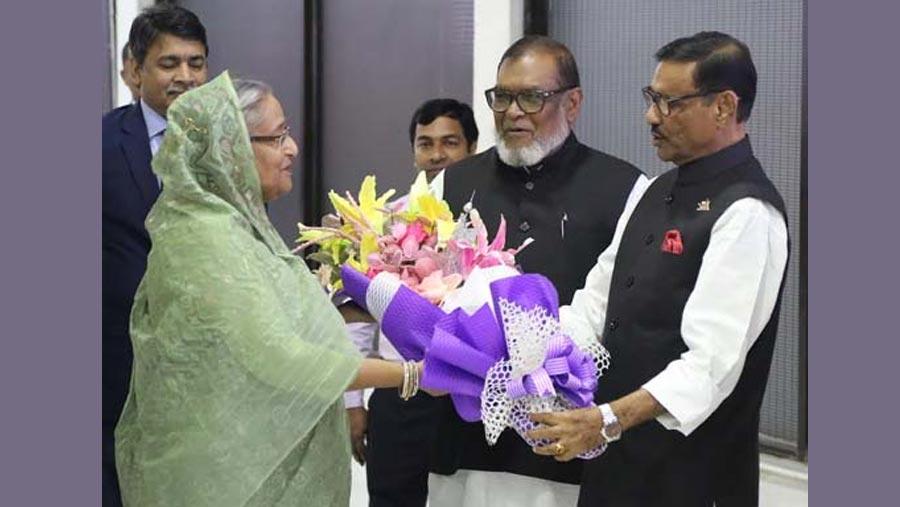 PM Sheikh Hasina returns home