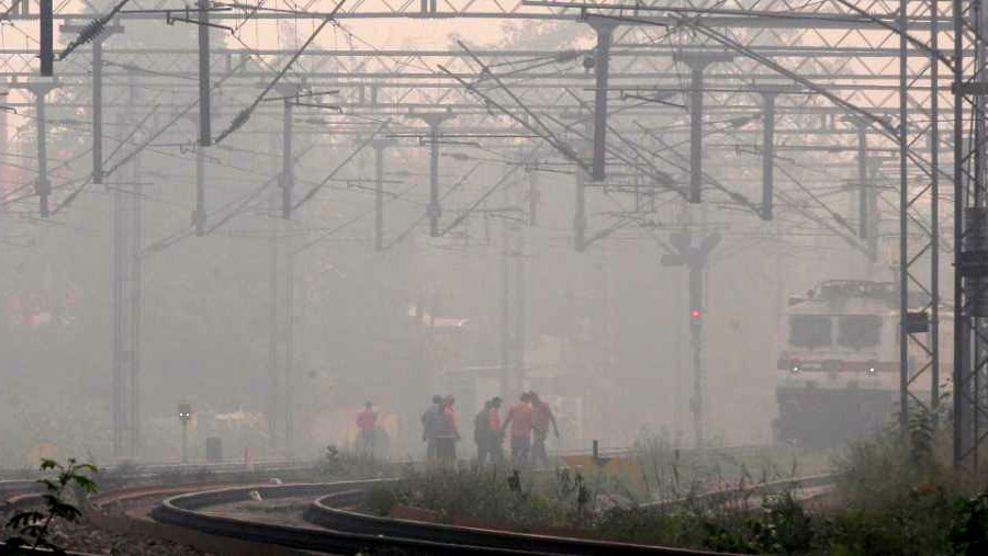 Delhi schools shut amid high air pollution