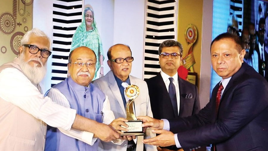 Ekramuzzaman, RAK receives CIP award
