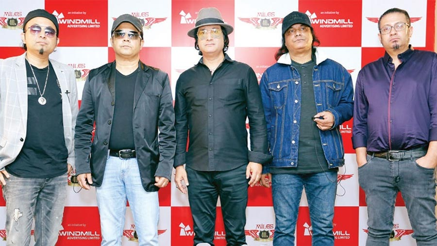 Miles to rock Dhaka on Dec 24
