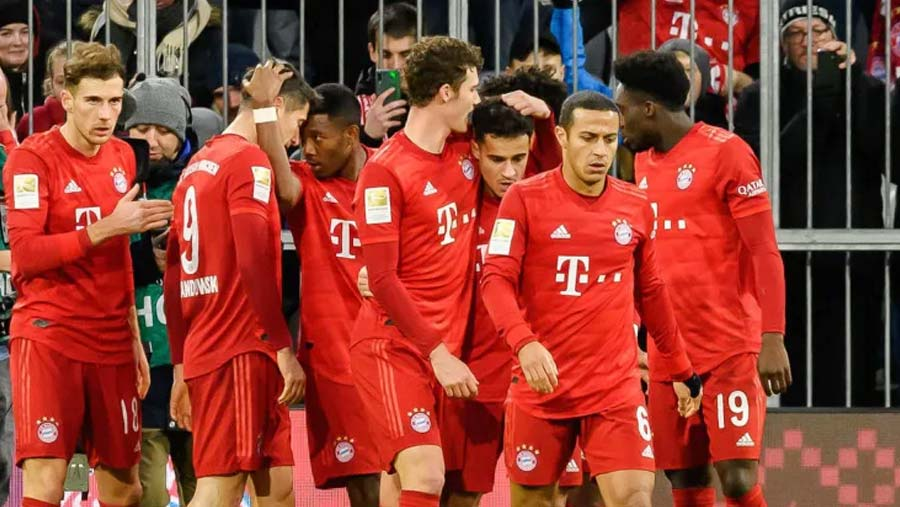 Bayern bounces back to rout Bremen 6-1