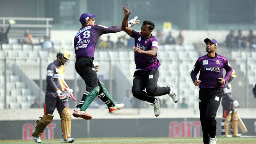 Rubel, Emrit keep Chattogram in finals contention