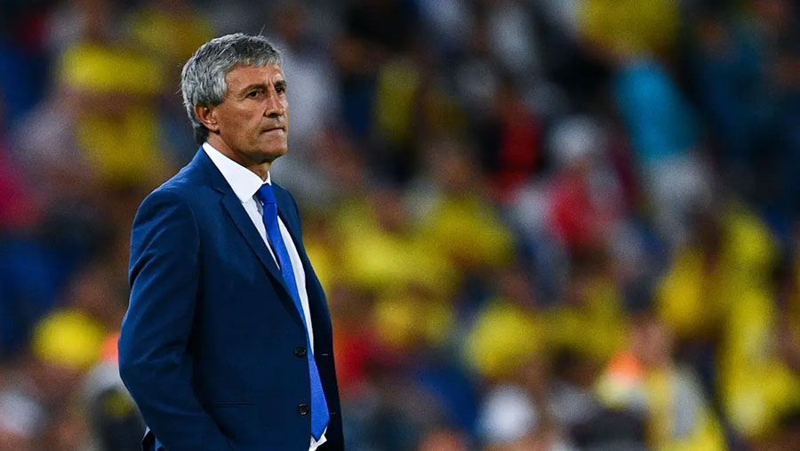 Barcelona sack Valverde and hire Setien