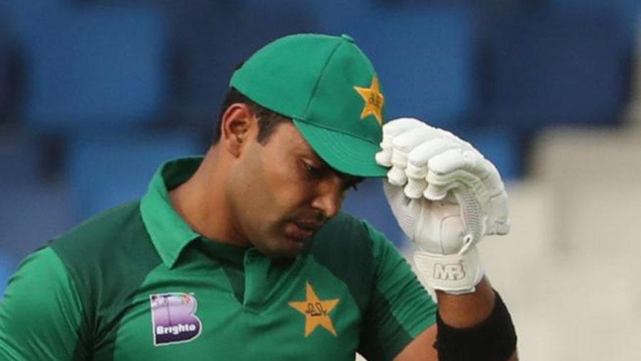 Pakistan suspend batsman Umar Akmal