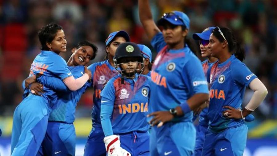 India stun Australia in T20 World Cup opener