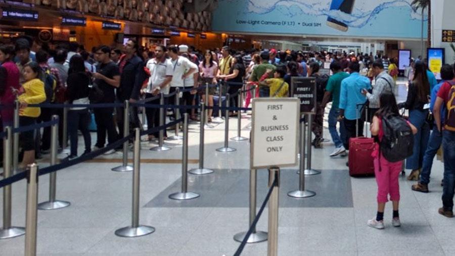 India suspends travel visas till Apr 15