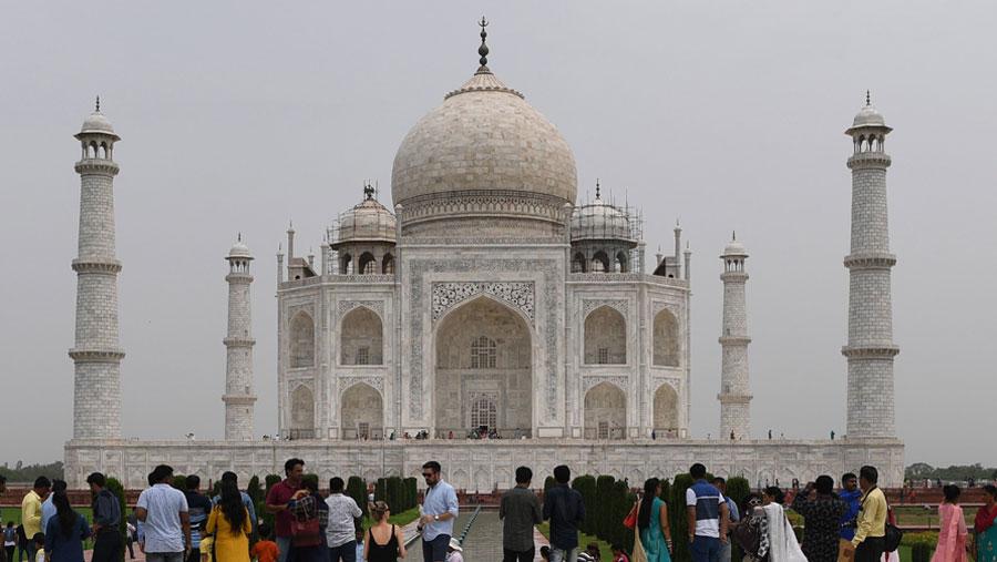 India shuts down Taj Mahal amid coronavirus fears