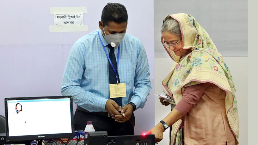 PM casts vote in JS by-polls at City College centre