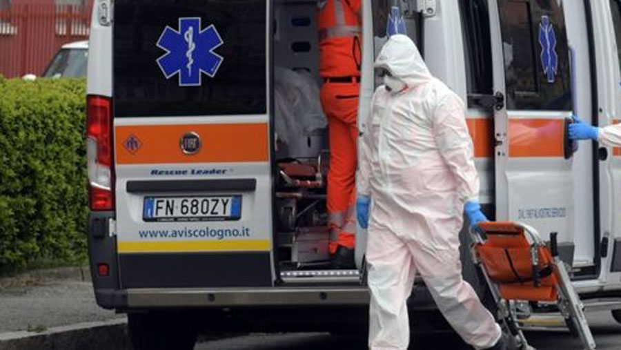 More than 900 virus deaths in a day in Italy