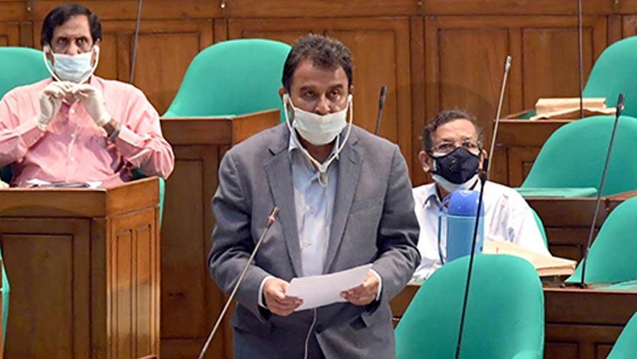 Mustafa Kamal places Tk 5.68 lakh crore budget