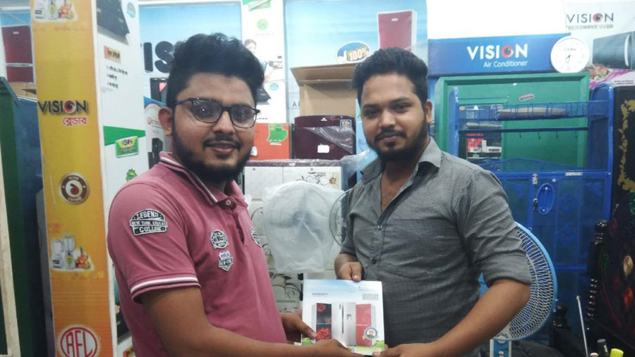 Winners of 'Vision Warranty Plus' campaign awarded