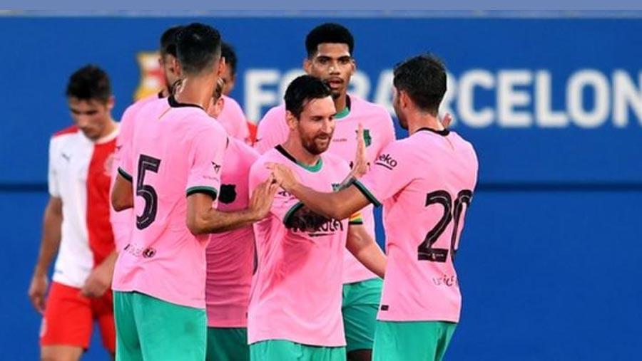 Messi scores twice as Barca win friendly