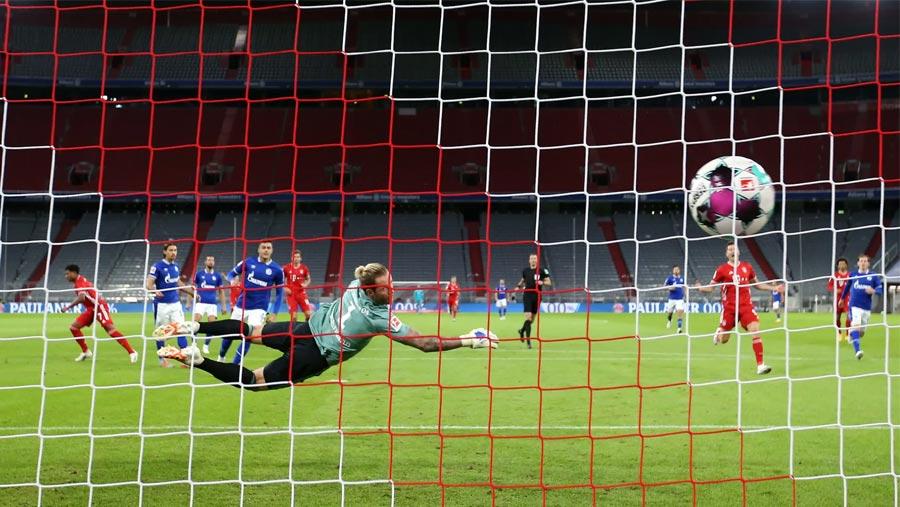 Gnabry, Sane light up Bayern's 8-0 rout of Schalke