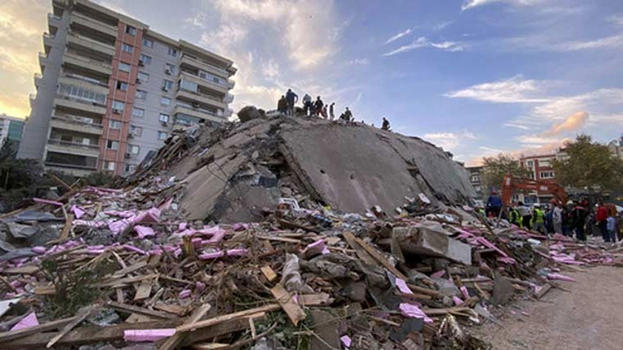Massive earthquake destroys buildings in Turkey and Greece, 19 dead