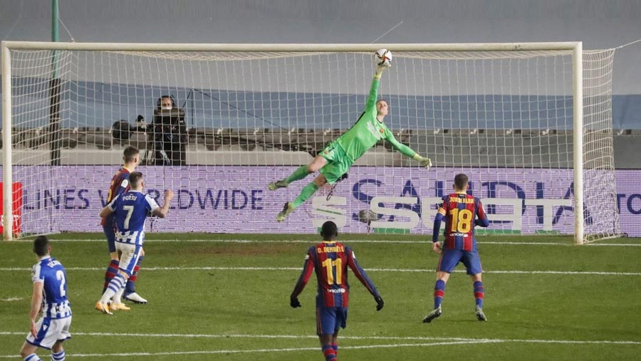Barca reach Spanish Super Cup final