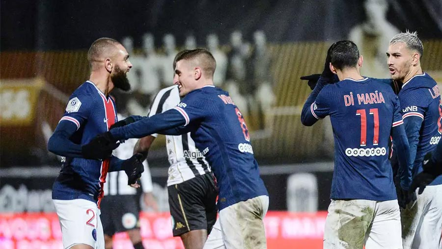 PSG beat Angers to go top of Ligue 1
