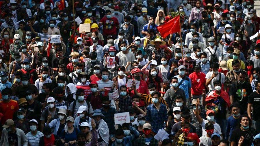 Thousands rally in Yangon against Myanmar coup
