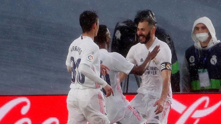 Real Madrid beat Eibar 2-0