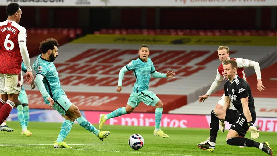 Liverpool cruise to victory at Arsenal