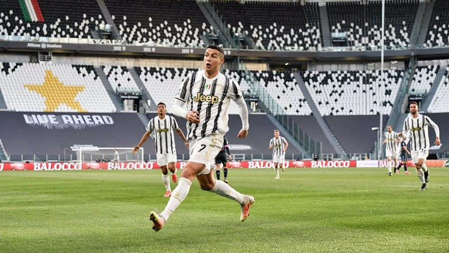 Juventus beat Napoli 2-1 in Serie A