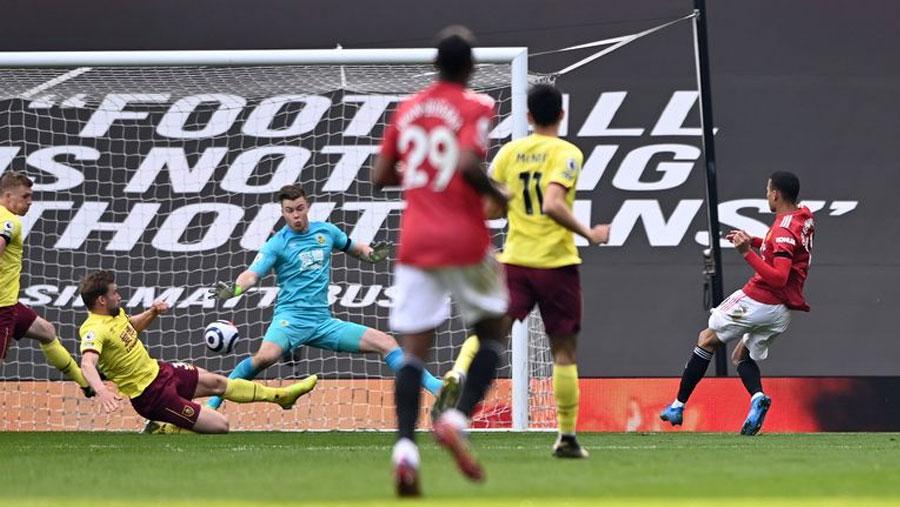 Greenwood double helps Man Utd to 3-1 win over Burnley