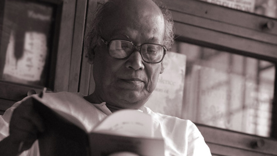 Renowned poet Shankha Ghosh dies from Covid-19
