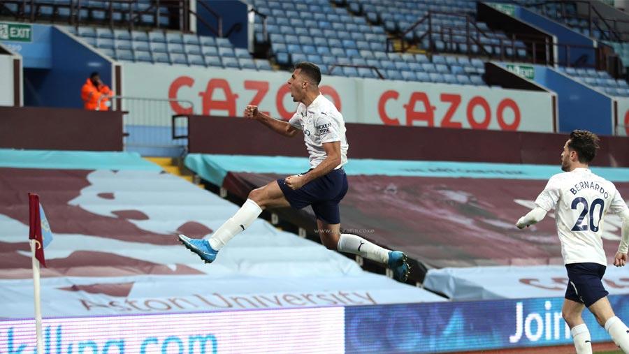 Man City move closer to Premier League title