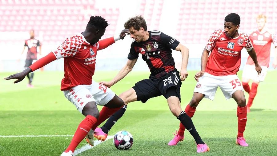 Bayern Munich beaten at Mainz
