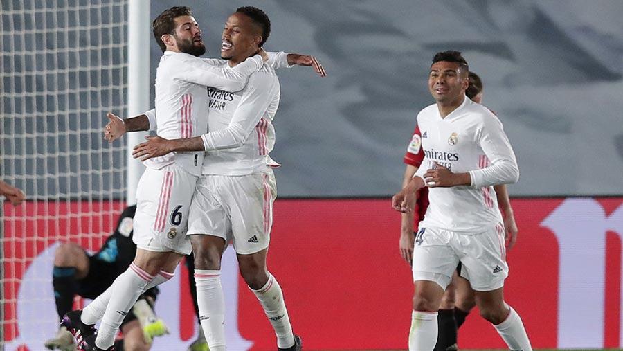 Real Madrid beat Osasuna 2-0 at home