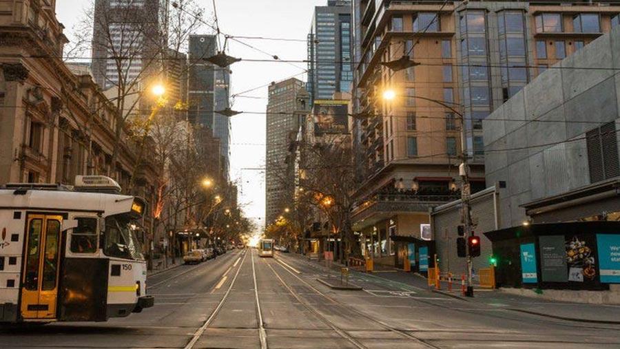 Melbourne introduces coronavirus curfew