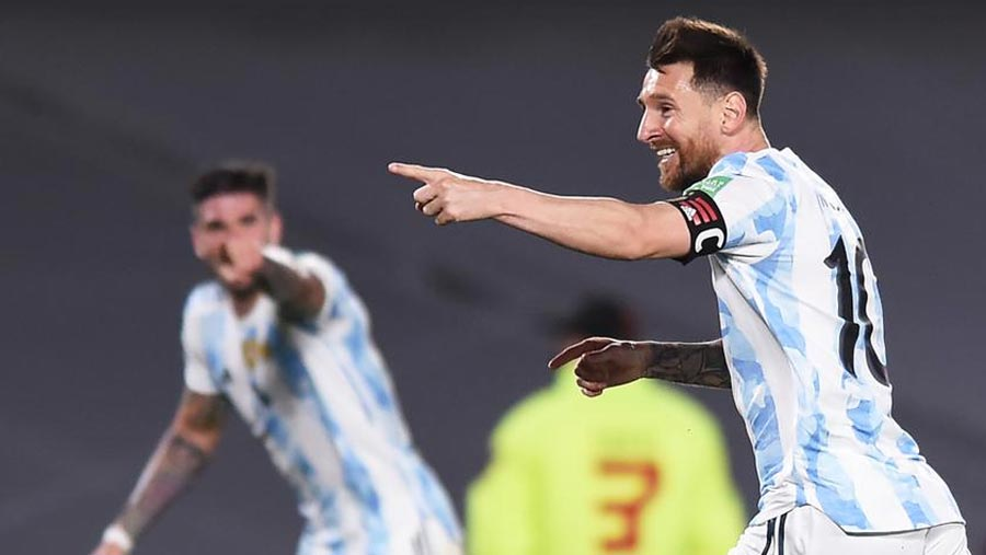 Argentina thrash Uruguay, Brazil draw with Colombia